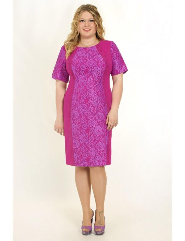 P 0573 Платье-футляр с гипюровой вставкой