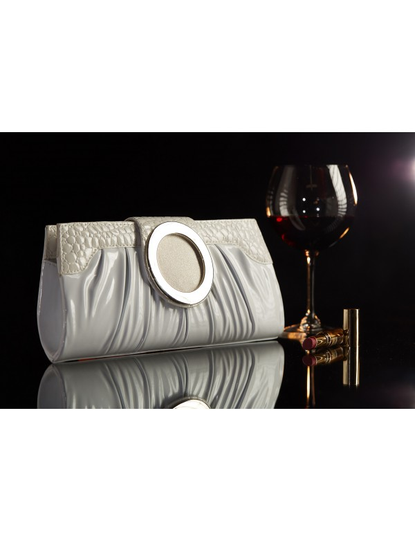 C0020 Клатч из лакированной ткани жесткой формы