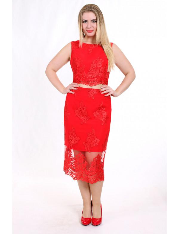 P 0832 А Коктейльное платье в виде топа без рукавов и юбки из гипюра