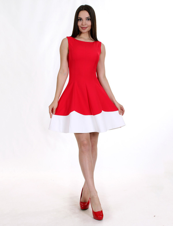 P 0843 Платье коктейльное с юбкой-волной
