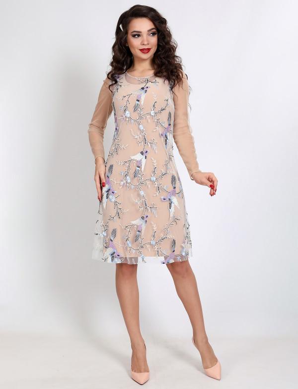 P 2067 Платье-двойка в виде однотонного футляра и гипюровой накидки