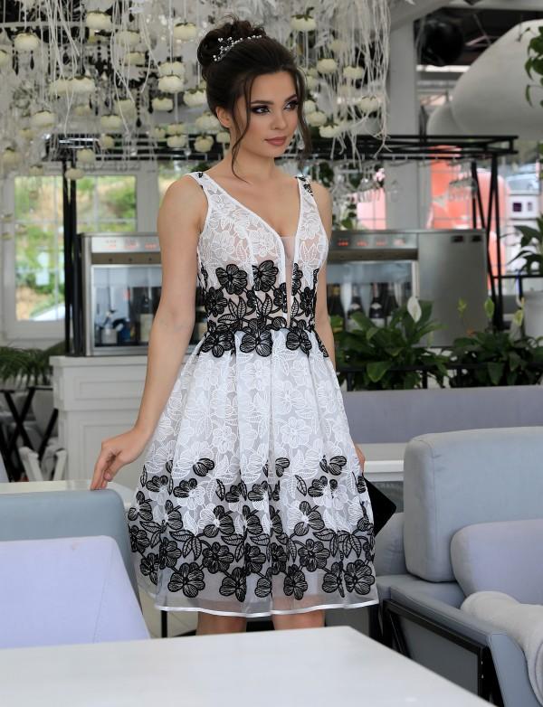 P 1060 Платье